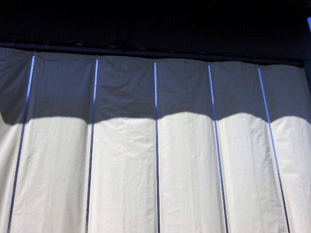 倉庫入口カーテン