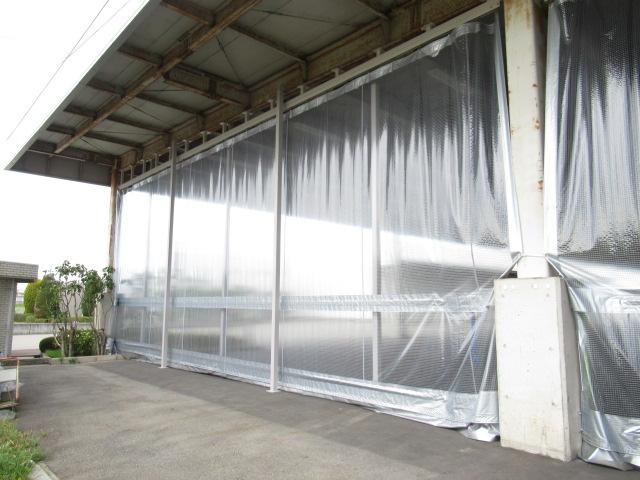 倉庫入口屋外カーテン